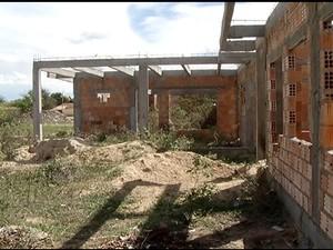 MP investiga fraudes em reformas de escola de Januária. (Foto: Reprodução/Inter TV)