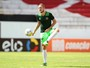 Santa Cruz confirma interesse do Bahia pelo volante Uillian Correia