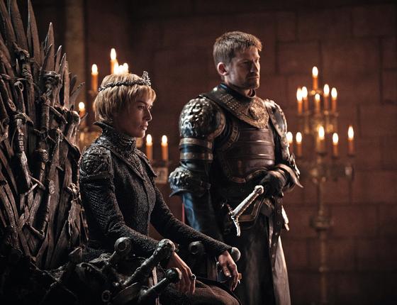 Cena do primeiro episódio da nova temporada de Got.A estreia bateu record de espectadores (Foto: HELEN SLOAN / HBO)