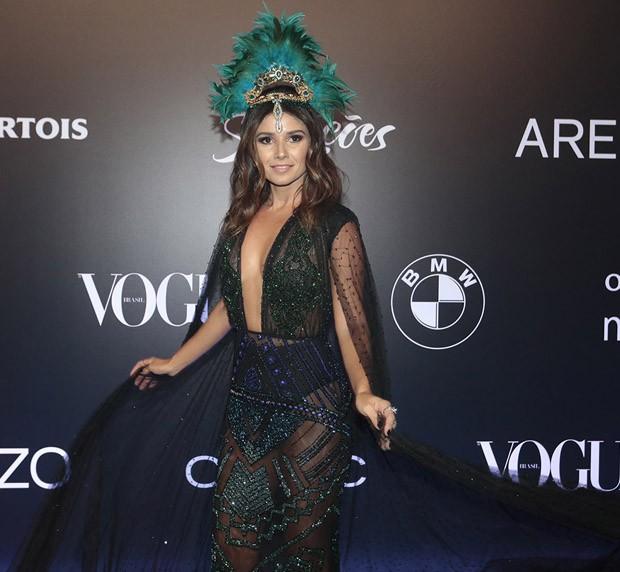 Bruna Maequezine é eleita a mais bem vestida do baile da Vogue
