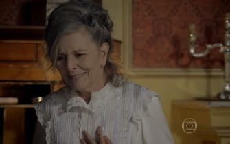 Vitória descobre que Lívia é sua neta
