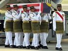 Malásia repatria corpos de mais três vítimas do avião que caiu na Ucrânia