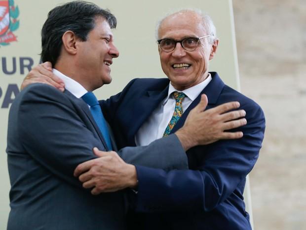 Haddad e Suplicy durante a cerimônia de posse do ex-senador como secretário de Direitos Humanos  (Foto: Vanessa Carvalho/Brazil Photo Press/Estadão Conteúdo )