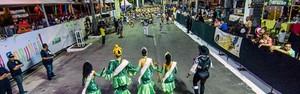 Alegria e irreverência marcam desfile dos blocos oficiais (Renê Marcio Carneiro)