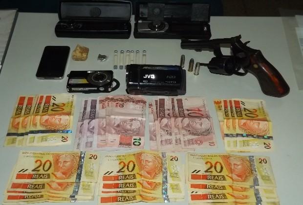 Polícia prende jovem de 21 anos suspeito de tráfico em Formosa, Goiás (Foto: Divulgação/ Polícia Civil)