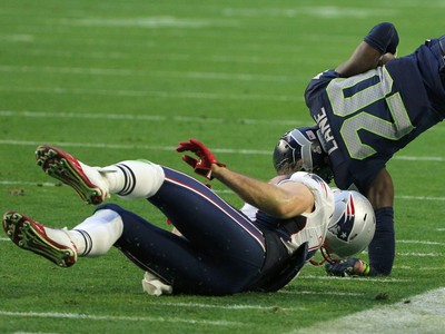 Jeremy Lane quebra braço seattle seahawks super bowl (Foto: Reuters)