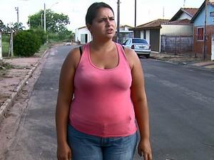 Neta de idoso morto por dengue diz que família está indignada (Foto: Paulo Chiari/EPTV)