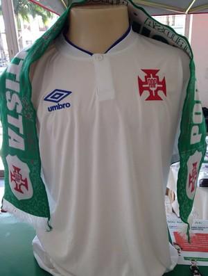 Portuguesa Santista apresenta novo uniforme para 2016 em evento oficial b468a2397c09d