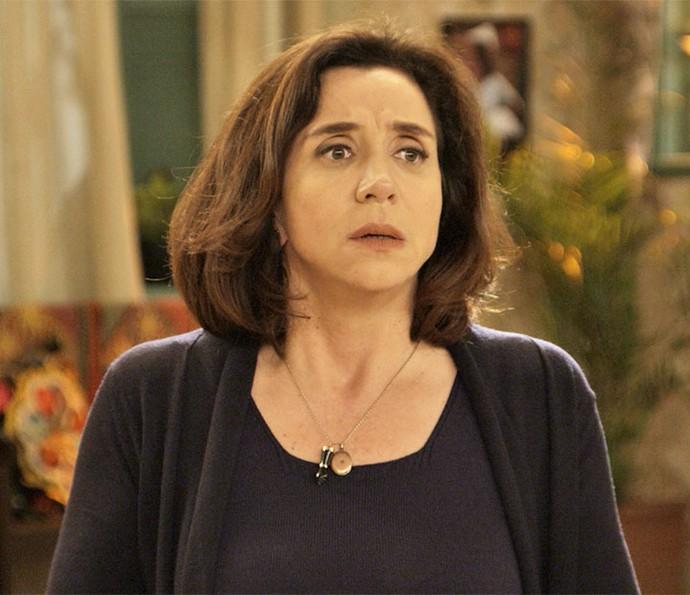 Francesca não acredita no que Bruna conta (Foto: TV Globo)