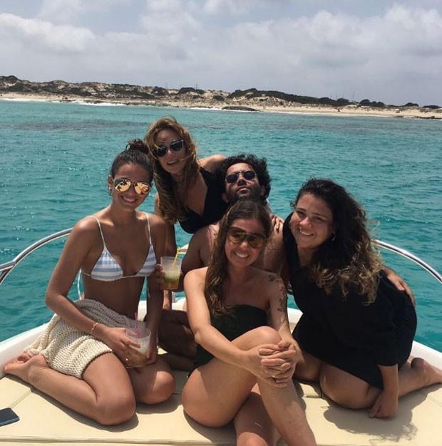 Bruna Marquezine, Mariana Ximenes, Morena Leite, Paulo Mattoni e Ju Mattoni (Foto: Reprodução)