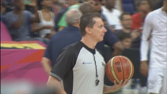 """Árbitro Cristiano Maranho relembra grandes finais da carreira no basquete: """"Um sonho"""""""
