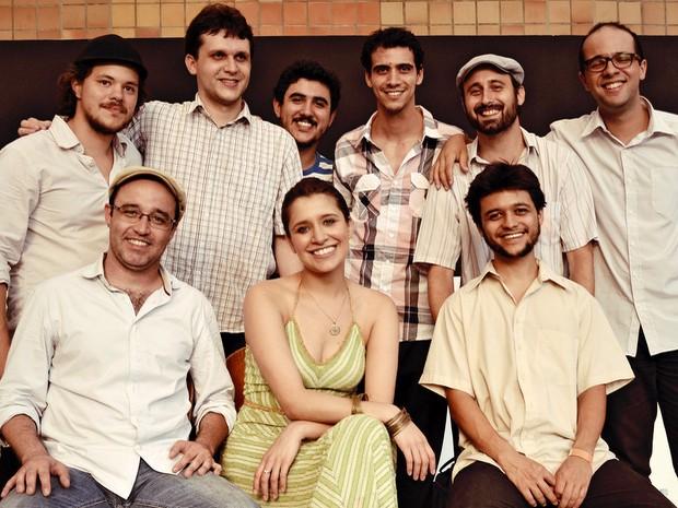 Grupo Nó nas Cadeiras, com participante do 'The Voice' Carla Casarim, se apresenta em Piracicaba (Foto: Divulgação / Sesc)