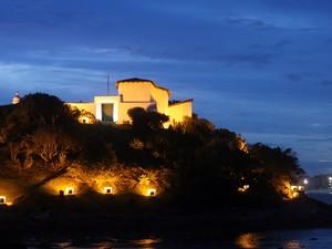 44 lâmpadas foram colocadas para iluminar o ponto turístico.  (Foto: Walmor Freitas/W2imagens )
