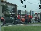 Motorista tem ferimentos leves após acidente entre dois carros em S. José