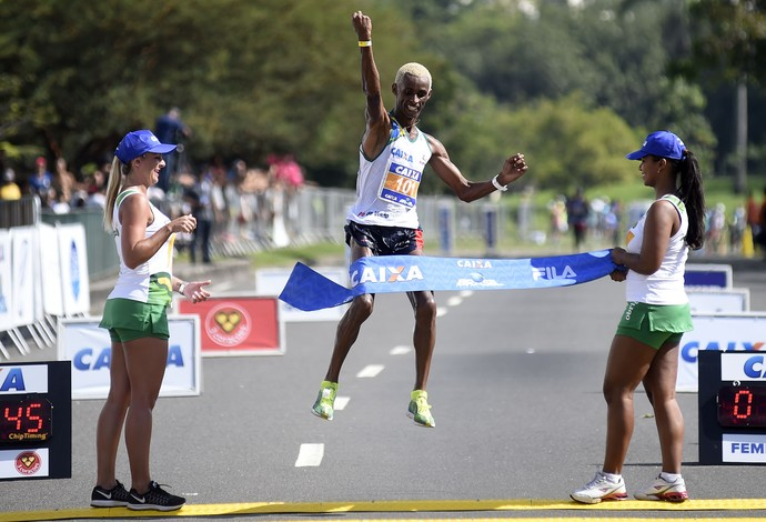 Giovane dos Santos - campeão meia maratona do rio de janeiro atletismo (Foto: André Durão)