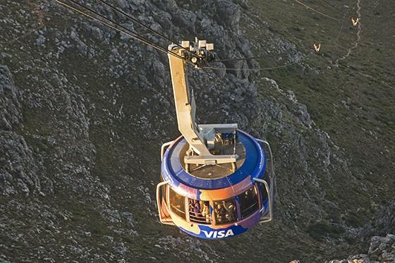 O teleférico da Montanha da Mesa, em seus quatro modelos, já levou cerca de 25 milhões de pessoas até o topo (Foto: © Haroldo Castro/Época)