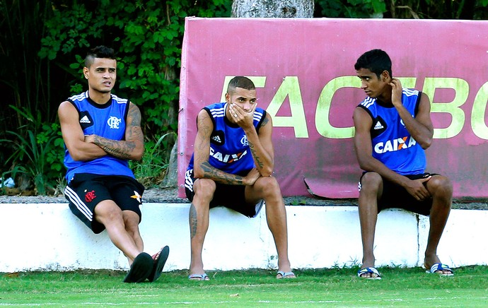 Everton, Paulinho e Gabriel no treino do Flamengo (Foto: Ivo Gonzalez / Agência O Globo)