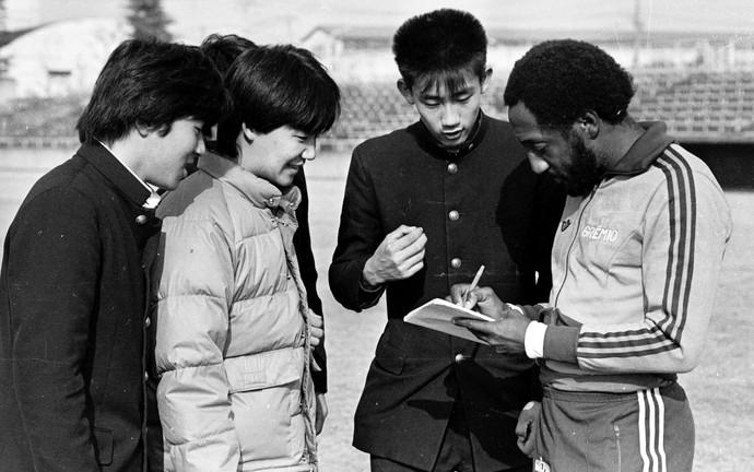 Paulo Cesar Caju no Japão no Mundial de 1983 (Foto: Agência RBS)