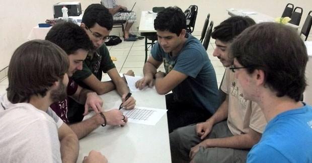 Estudantes que vão representar o Brasil na IMO deste ano (Foto: OBM/ Divulgação)