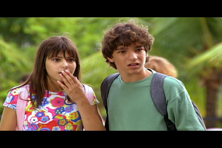 Diogo e Camila vem Beatriz e Marcelo se beijando (Foto: reproduo/viva)