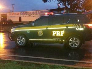 PRF investiga as causas do acidente (Foto: Rodrigo Rodrigues/Jaru Notícia)