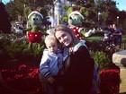 Filho de Neymar curte natal na Disney com a mãe