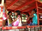 Estudantes de Timbiras usam pau de arara como transporte escolar
