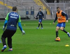 fábio aurélio grêmio treino arena (Foto: Hector Werlang/Globoesporte.com)