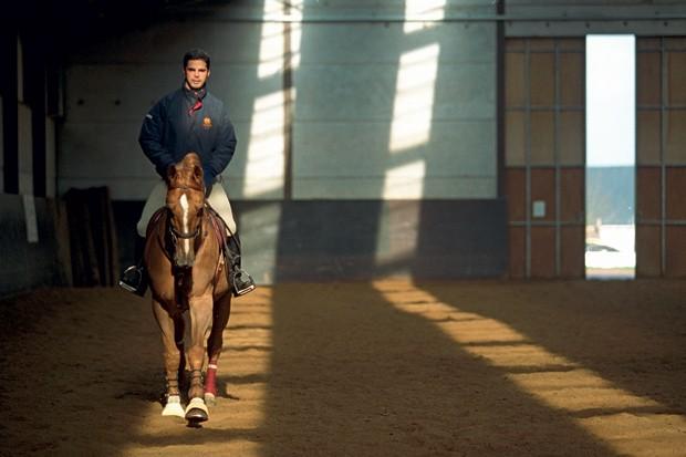 Rodrigo Pessoa, ganhador de três medalhas olímpicas e seu antigo cavalo Baloubet du Rouet (Foto: Getty Images)