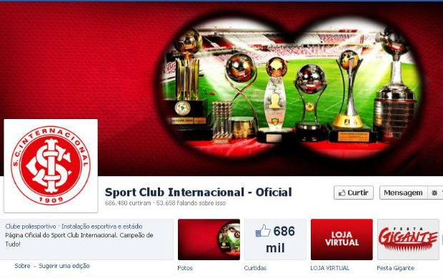b1e7d60f39c41 Inter responde Grêmio e posta foto com binóculo apontado para taças ...