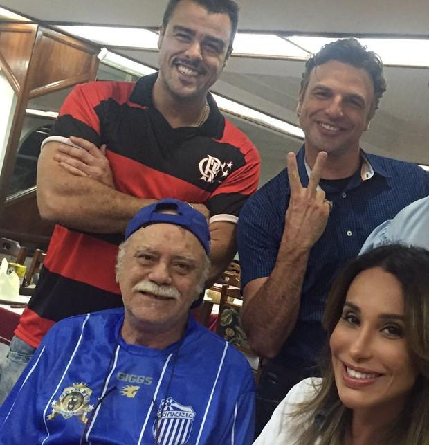 Joaquim Lopes, Cássio Reis, Tonico Pereira e Carol Marra (Foto: Reprodução/Instagram)