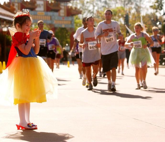 A família inteira pode curtir as corridas, seja correndo ou torcendo pelos amigos e familiares (Foto: Walt Disney World)