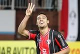 """Edigar Junio faz hat-trick em vitória e admite: """"Nem nos melhores sonhos"""""""