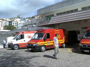 Samu Regional entrada Hospital Therezinha de Jesus Juiz de Fora (Foto: Reprodução/ TV Integração)