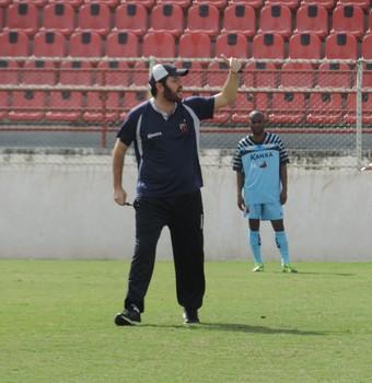 Tarcísio Pugliese, técnico, Ituano (Foto: Guilherme Giavoni)