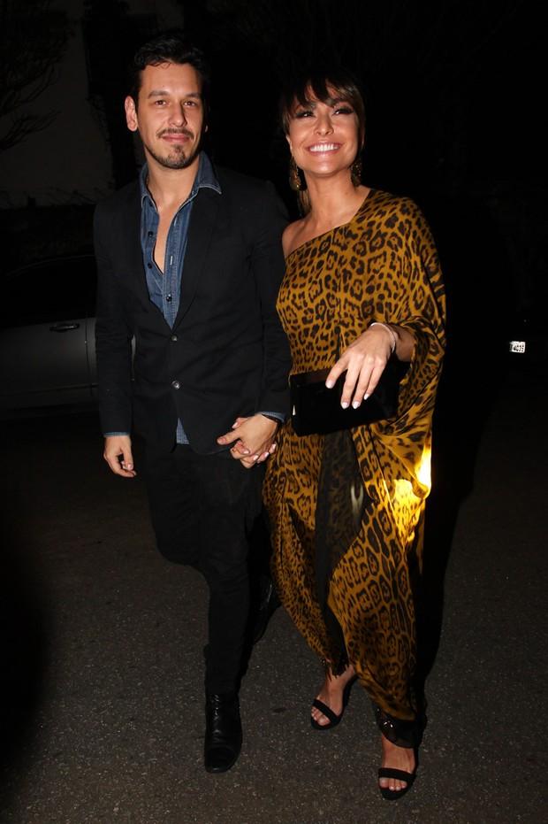 Sabrina Sato with cool, Boyfriend João Vicente De Castro