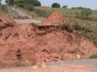 Cratera aberta em estrada vicinal de Catanduva já matou seis pessoas