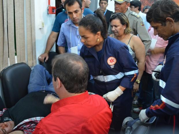 Paramédicos do Samu chegaram minutos depois para atender segurança (Foto: Yuri Marcel/G1)