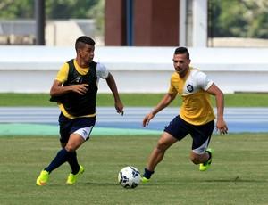 Léo Paraíba e Levy durante treino no Remo (Foto: Tarso Sarraf/O Liberal)
