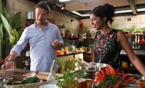 Bela Gil e Jamie Oliver gravam programa especial no Brasil