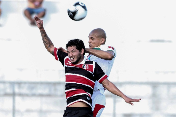 Salgueiro x Santa Cruz (Foto: Aldo Carneiro / Pernambuco Press)