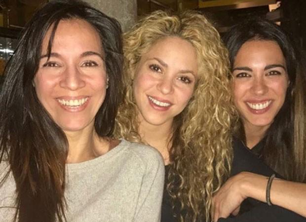 Shakira comemora aniversário na companhia de amigas (Foto: Reprodução/Instagram)