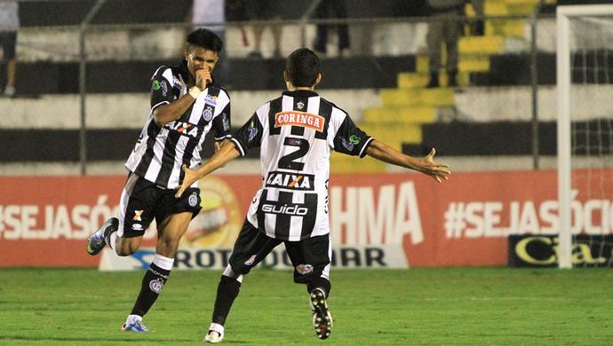 Wanderson comemora gol no jogo contra o América-MG (Foto: Ailton Cruz/ Gazeta de Alagoas)