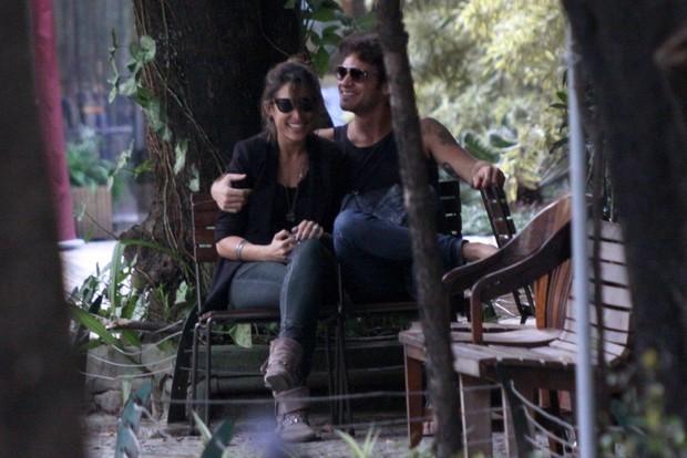 Gisele Itié com o namorado (Foto: J. Humberto / AgNews)