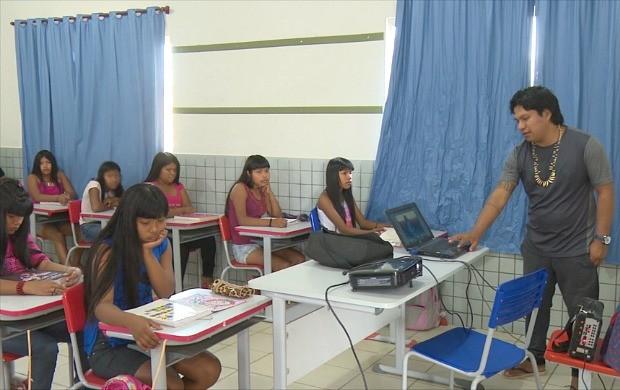 Índio de RO ganha prêmio 'Educador Nota Dez' (Foto: Bom Dia Amazônia)