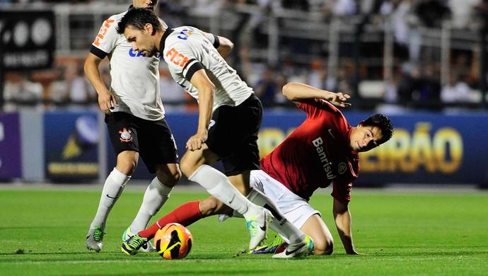 Corinthians x Internacional (Foto: Marcos Ribolli / Globoesporte.com)