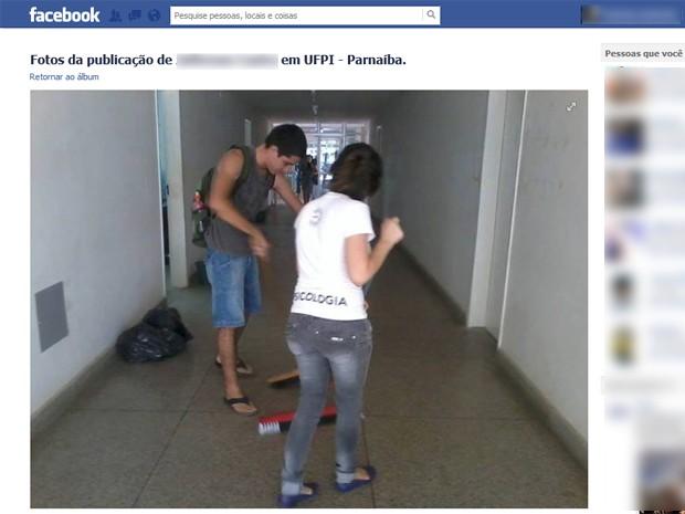 Por alguns dias os estudantes fizeram a limpeza de alguns espaços do campus (Foto: Reprodução/Facebook)