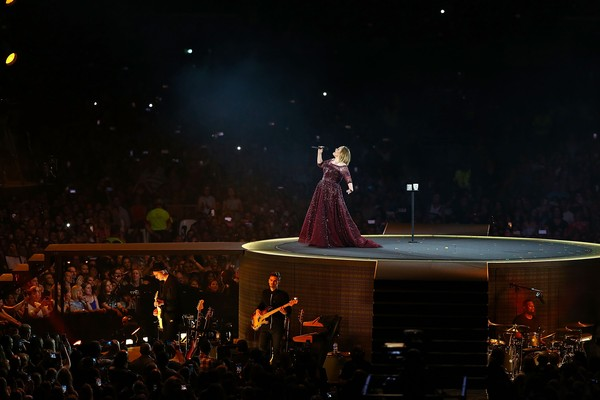 Adele durante apresentação na Austrália (Foto: Getty Images)