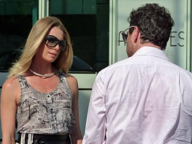 Caco e Letícia gravam nesta tarde (Foto: Salve Jorge/TV Globo)