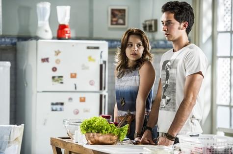 Bianca Salgueiro e Gabriel Falcão em cena (Foto: TV Globo)